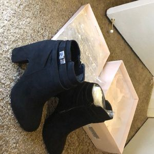 JUST FAB BLACK BOOTIES SIZE 10
